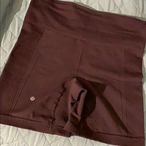 Luluemon workout shorts